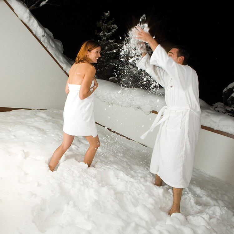 And after the sauna  – a blissful cooling-off in the snow