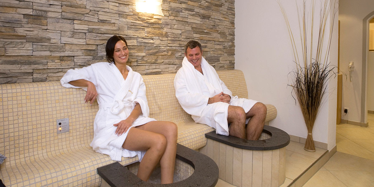 Foot whirlpools with heat bank and foot reflexology massage