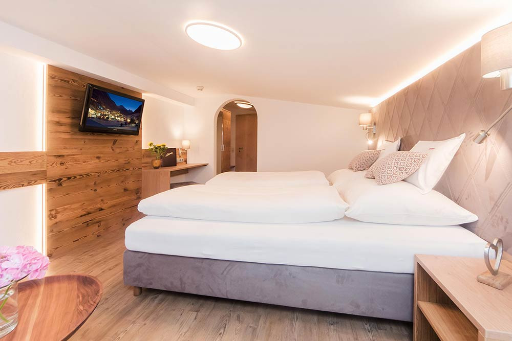 Attic floor double room - Hotel Antony Ischgl